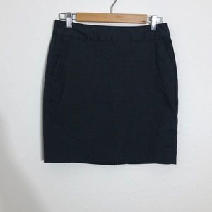 Banana Republic > Grey Pencil Skirt > Size 2P